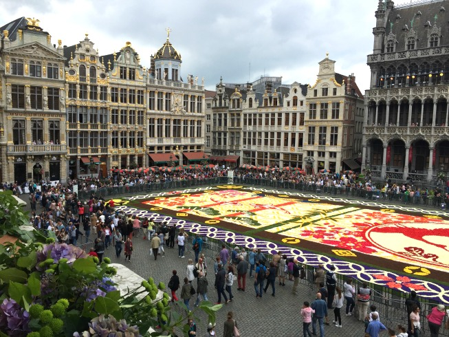Tapete de Flores na Grand Place: LINDO!